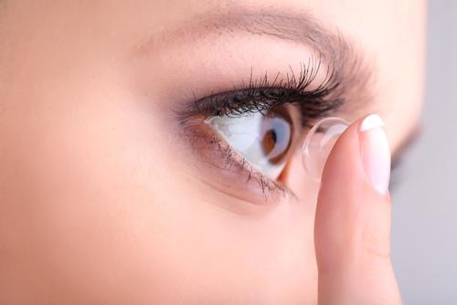 akies paraudimas su hipertenzija)