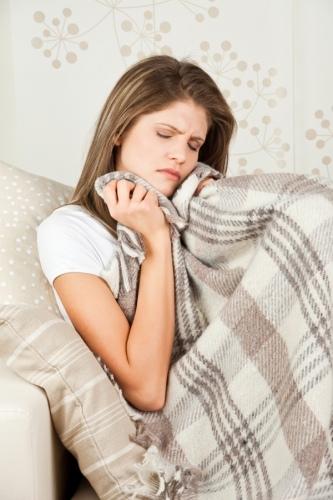 Moters isoriniu lytiniu organu ligos